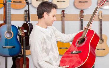مناسب ترین برندهای گیتار به ترتیب قیمت