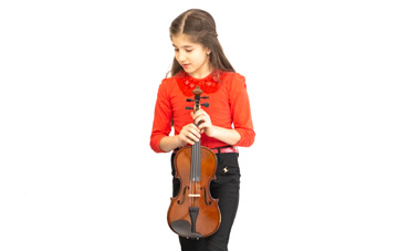 دختر آموزش ویولن