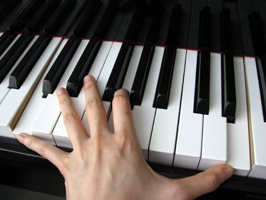 تمرین عالی برای تقویت دست چپ در پیانو