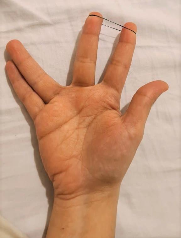 تمرین تقویت دست در پیانو با کش