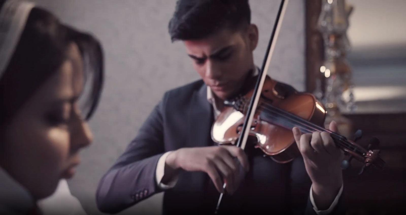"""موزیک ویدئوی بسیار زیبای """"برگ پاییزی"""" منتشر شد. اشکان کاکاوند و پریسا سلیمانی"""